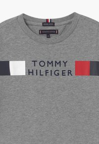 Tommy Hilfiger - GLOBAL STRIPE TEE - Long sleeved top - grey - 2