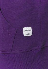 Jack & Jones - JJEBASIC HOOD  - Sweatshirt - acai - 2