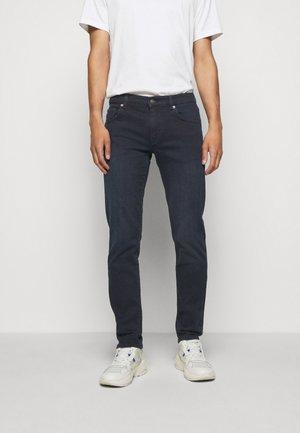 JAY SMOKE - Slim fit jeans - dark blue