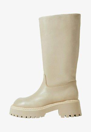 Boots - cremeweiß