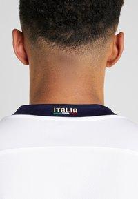 Puma - ITALIEN FIGC AWAY JERSEY - Oblečení národního týmu - white/peacoat - 5