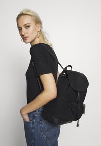 Anna Field - LEATHER/COTTON - Tagesrucksack - black - 1