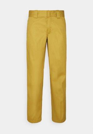 SLIM STRAIGHT WORK PANT - Chino kalhoty - bronze mist