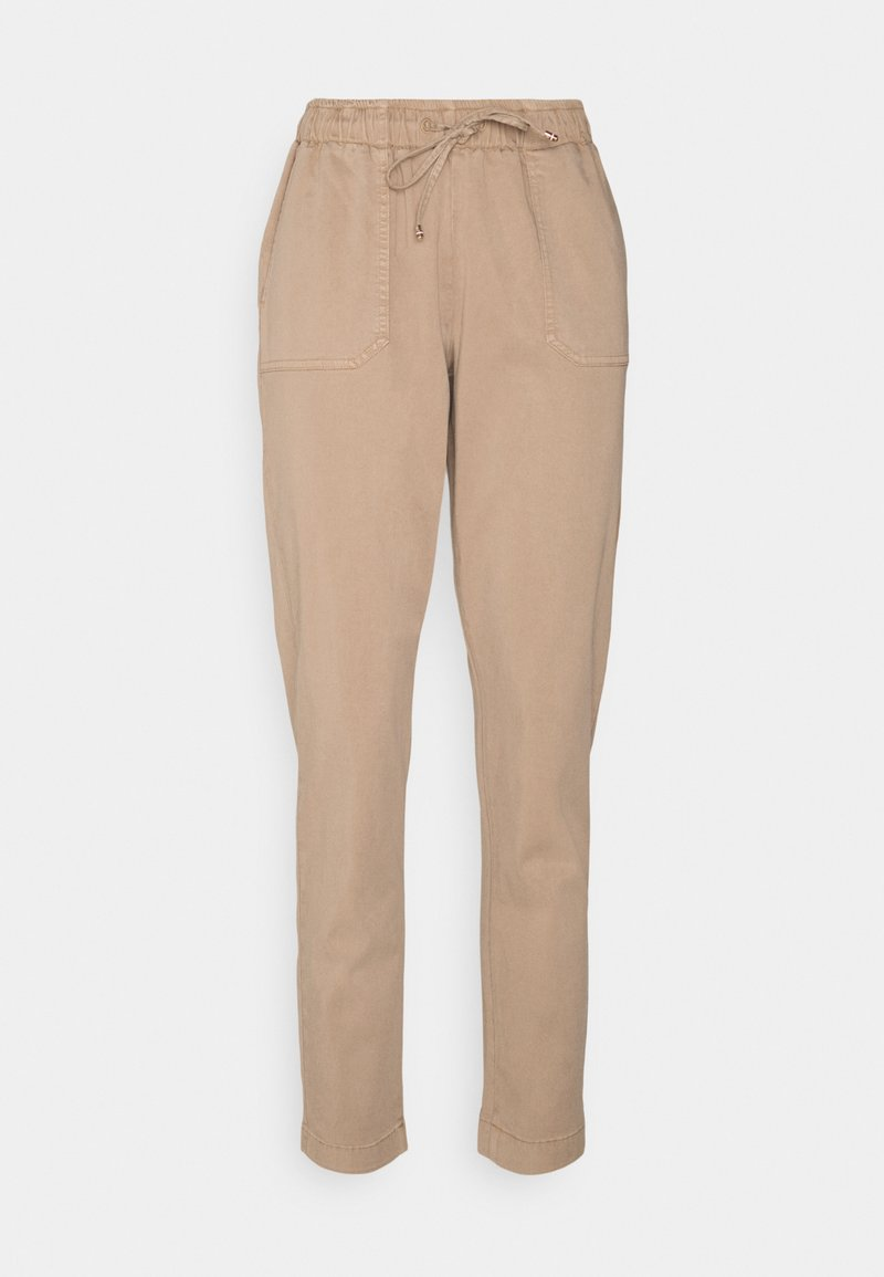 Tommy Hilfiger - SOFT PULL ON TAPERED PANT - Trousers - beige