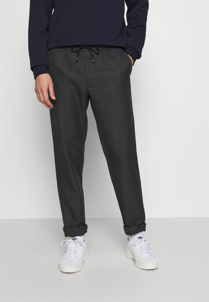 Tommy Hilfiger - ACTIVE PANT PRINCE OF WALES - Trousers - grey