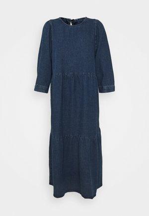 NMJESSIE DRESS - Robe longue - medium blue denim