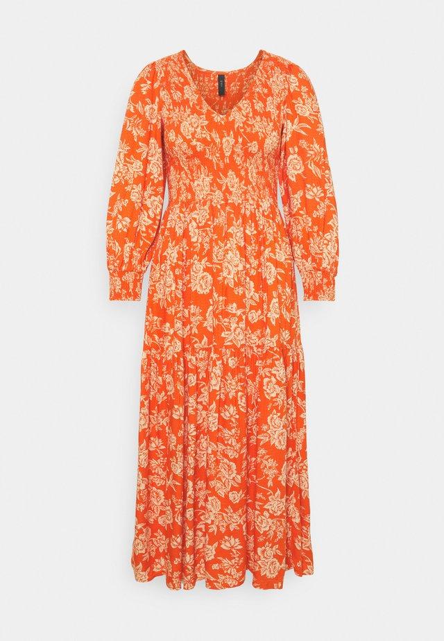 YASMANISH 3/4 DRESS - Kjole - tigerlily/manish