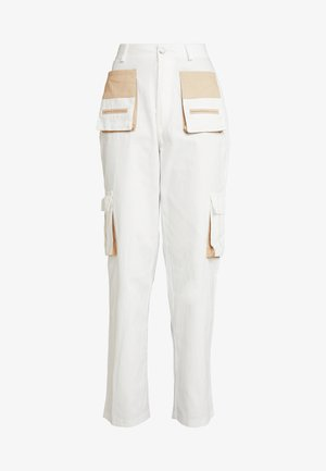 CONTRAST POCKET CARGO TROUSERS - Trousers - cream