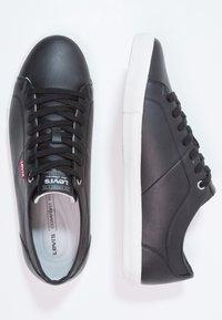 Levi's® - WOODS - Zapatillas - regular black - 1