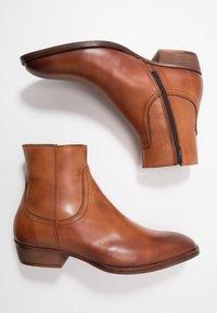 Bianco - BIABECK BOOT - Kotníkové boty - cognac - 1