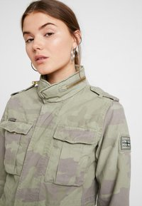 Superdry - DELTA SOFT CAMO ROOKIE - Summer jacket - khaki - 4