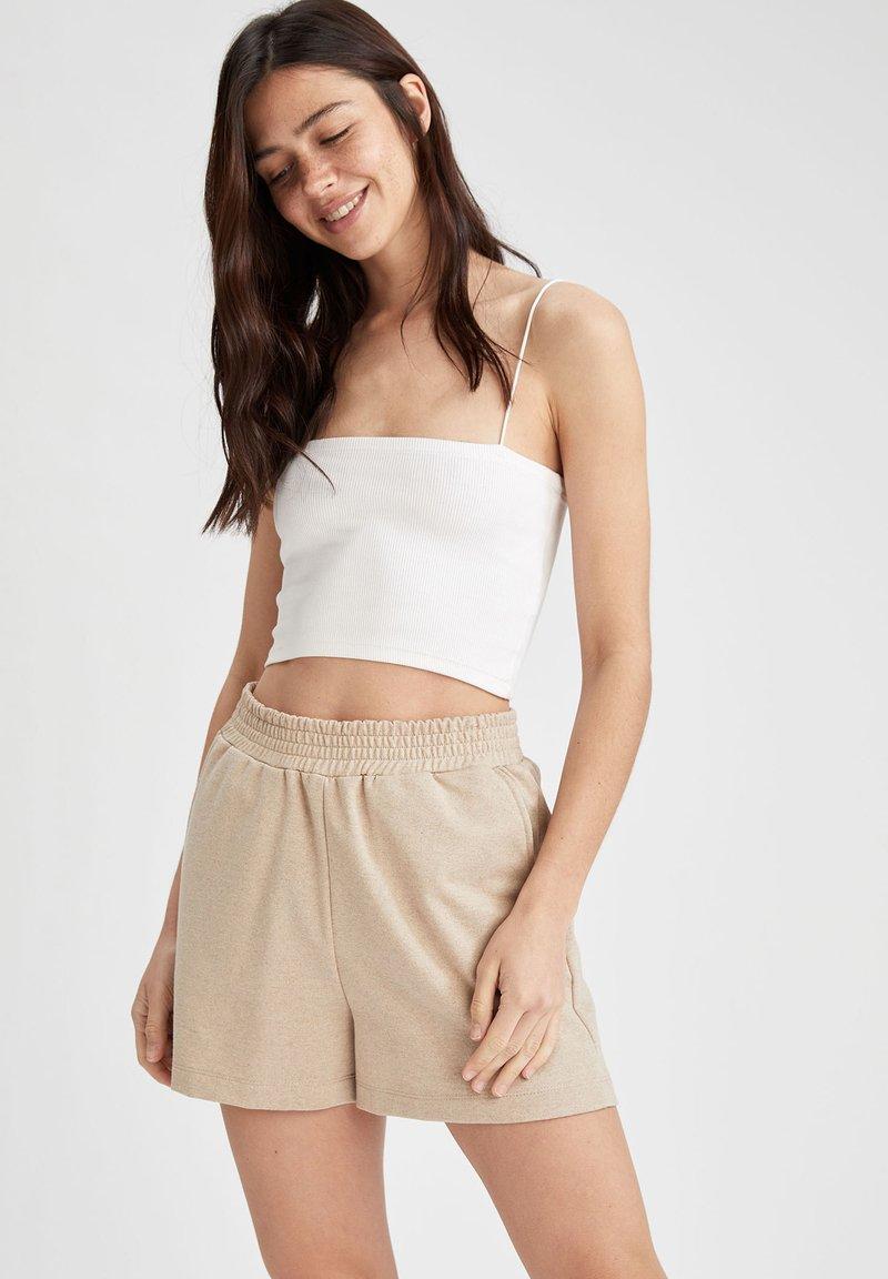 DeFacto - Shorts - beige
