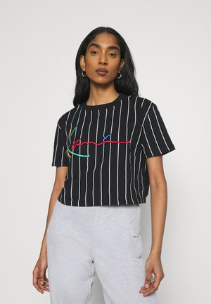 SIGNATURE PINSTRIPE TEE - Print T-shirt - black