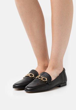 VADONE - Įmautiniai batai - noir