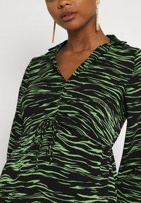 Vero Moda - VMMELLA COLLAR DRESS - Maxi dress - black - 6