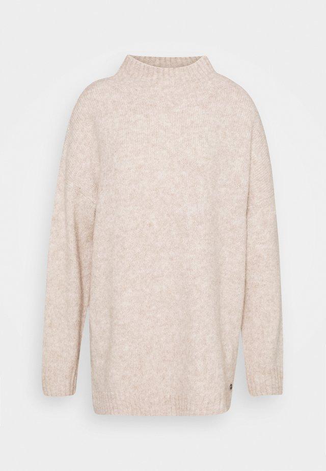 MOCK NECK LONG - Strikkegenser - cozy beige melange