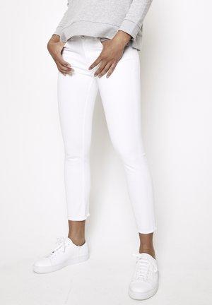 GRACIA - Slim fit jeans - weiss