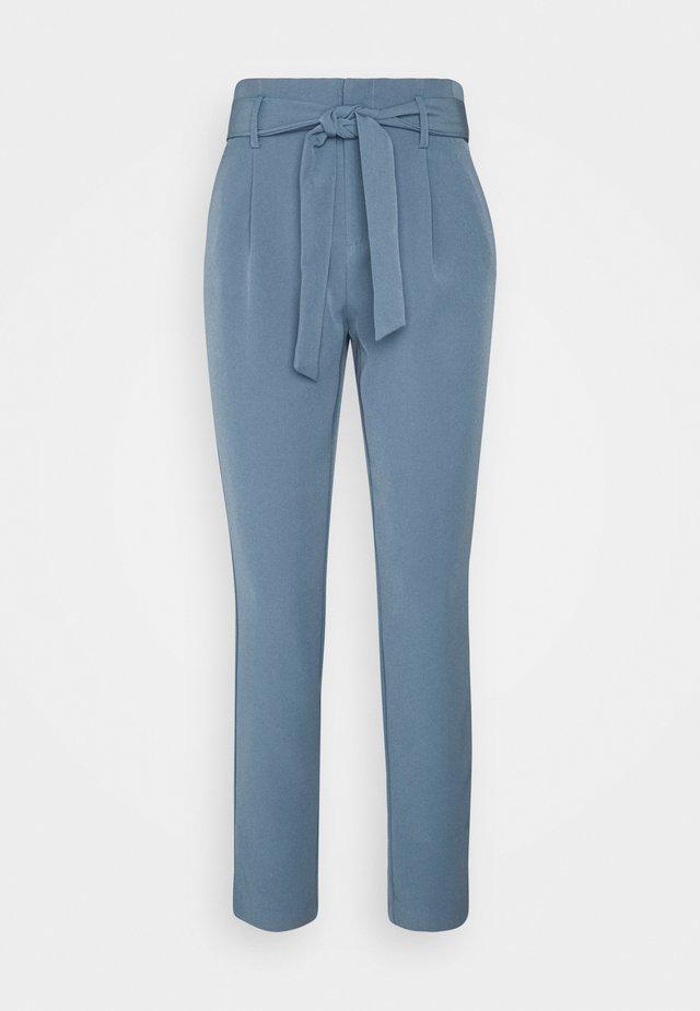 ONLELLY LIFE BELT PANT - Broek - blue mirage