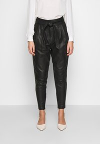 Copenhagen Muse - ROYAL ANKLE - Leather trousers - black - 0