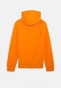 Tommy Hilfiger - ESSENTIAL HOODIE - Felpa con cappuccio - orange - 1