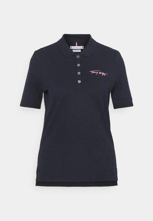 REGULAR SCRIPT - Polo shirt - desert sky