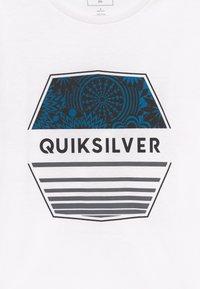 Quiksilver - DRIFT AWAY - Printtipaita - white - 3