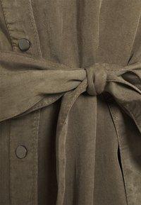 Vero Moda - VMSILJA SHORT DRESS  - Vestido camisero - bungee cord - 7