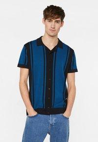 WE Fashion - WE FASHION HEREN FIJNGEBREIDE POLOTRUI - Shirt - dark blue - 0