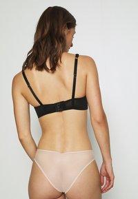 Ann Summers - CECELIA NON PAD BRA - Podprsenka skosticemi - nude/black - 2