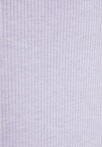ONLY - ONLZOE MIDI DRESS  - Pletené šaty - purple heather - 2