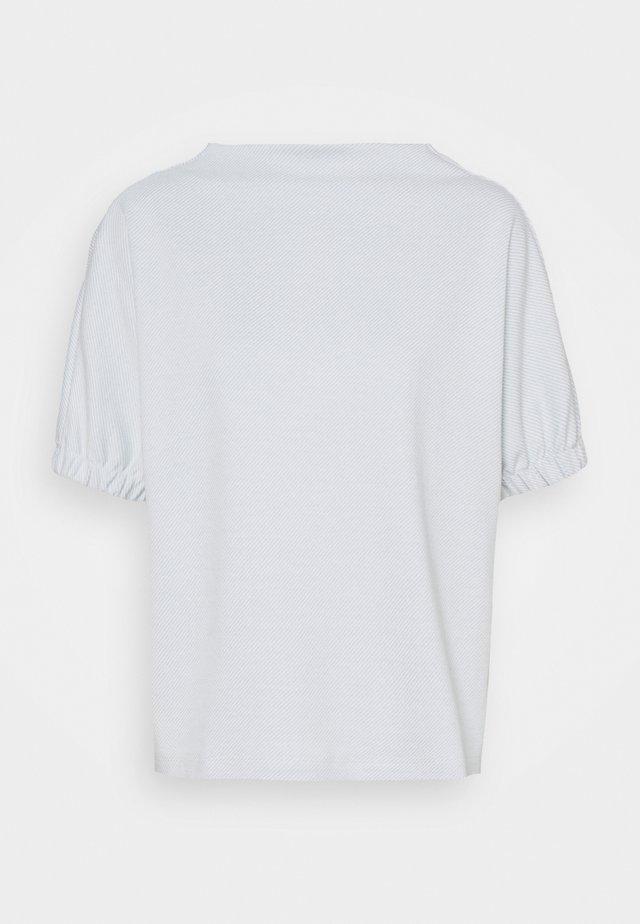 GOBUNA - T-shirts - silent blue