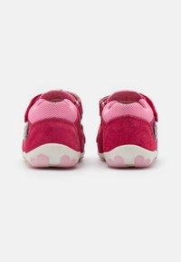 Superfit - FANNI - Sandals - rot/rosa - 2