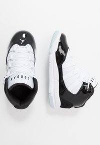 Jordan - MAX AURA - Basketbalschoenen - black/white - 0