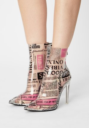 VEIL - High heeled ankle boots - newspaper
