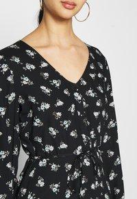 Pieces - PCSILJY DRESS - Day dress - black - 5