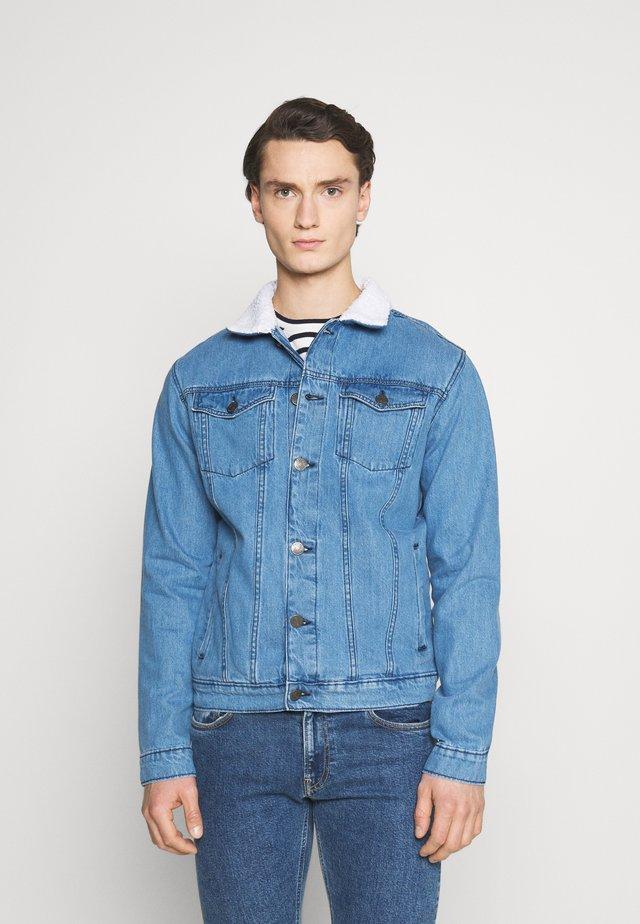 BORG JACKET - Veste en jean - blue
