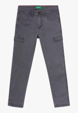 TROUSERS  - Pantalones cargo - khaki