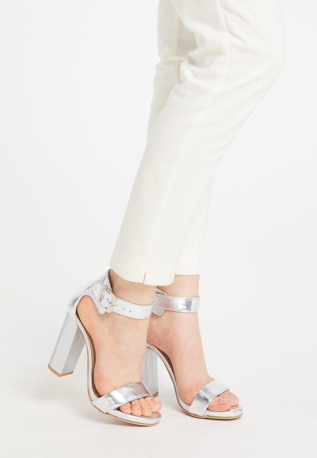 Sandalen met hoge hak - silber