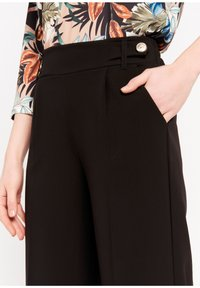 LolaLiza - P-MONALY - Trousers - black - 4