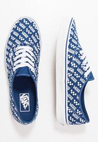 Vans - AUTHENTIC - Sneakersy niskie - true blue/true white - 1