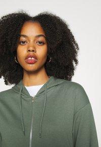 Even&Odd - REGULAR FIT ZIP UP HOODIE JACKET - Zip-up sweatshirt - green - 6