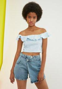 Trendyol - PARENT - Denim shorts - blue - 2