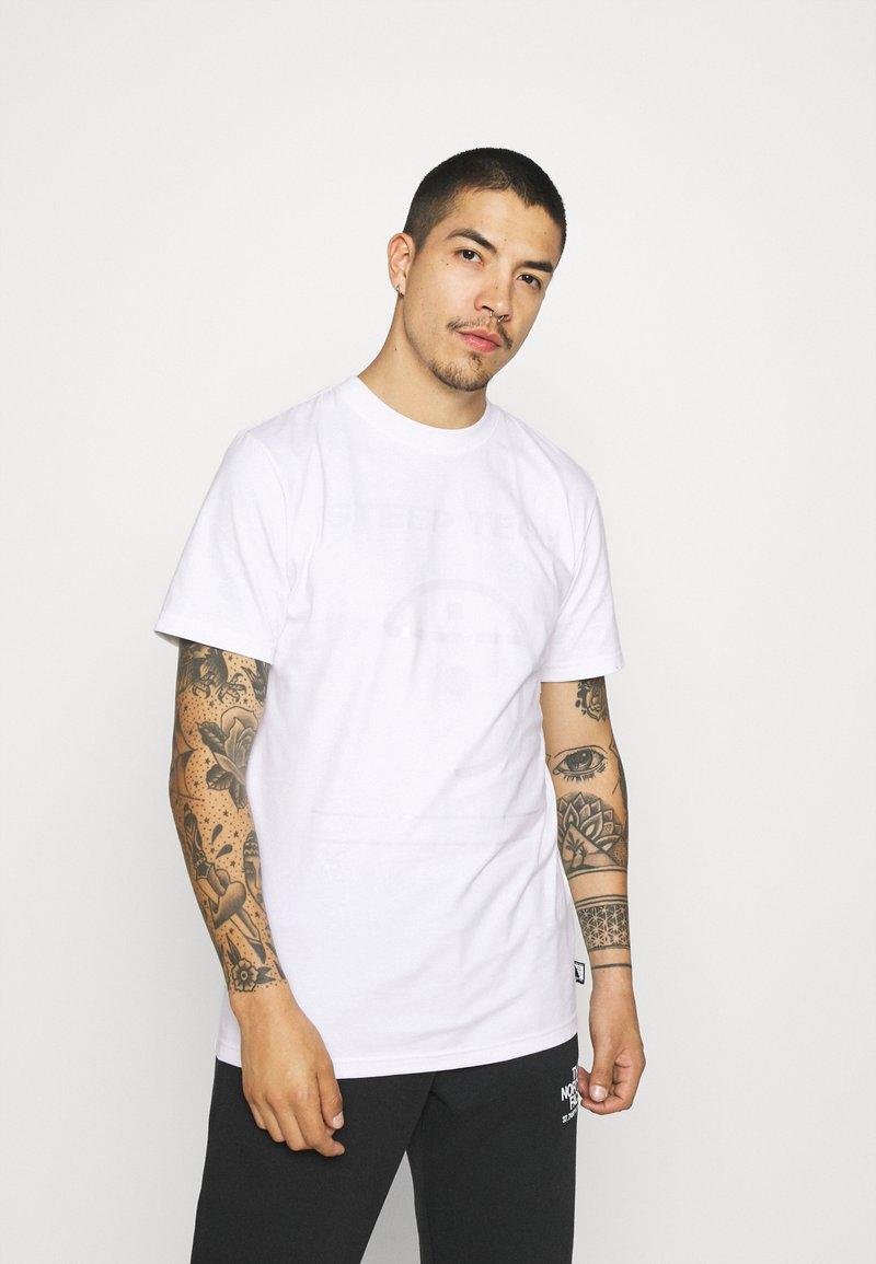 The North Face - STEEP TECH LIGHT - Camiseta estampada - white
