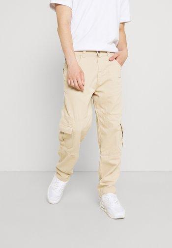 PANNEL & POCKET TROUSERS - Cargo trousers - beige