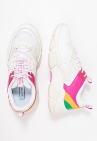 Tommy Hilfiger - POP COLOR CHUNKY  - Trainers - white - 3