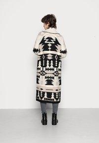 ONLY - ONLBRIA MAXI CARDIGAN - Cardigan - black/beige - 2