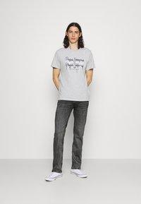 Pepe Jeans - KINGSTON ZIP - Jeans straight leg - black denim - 1