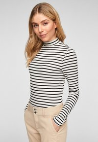 Q/S designed by - Long sleeved top - black stripes - 6
