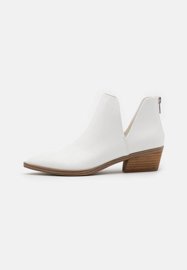 ZANDER - Ankle boots - white paris