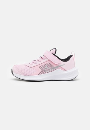 DOWNSHIFTER 11 UNISEX - Zapatillas de running neutras - pink foam/metallic silver/black/white